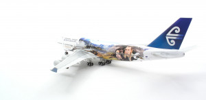 "016339 Самолет Boeing747-400 ANZ Air New Zealand ""Legolas&Aragor"" Модель самолета из серии PREMIUM. 1:200 *"