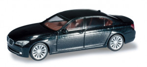 034098 Автомобиль BMW 7er 08™, metallic 1:87