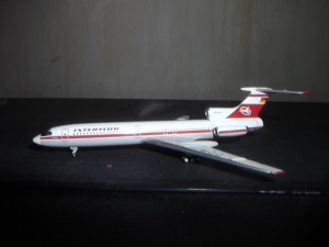 7767058 Самолёт Tupolev Tu-154 Interflug 1:400