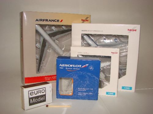 503389 Самолет McDonnel-Douglas MD-11 American Airlines 1:500