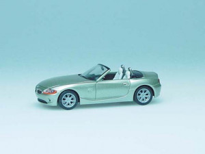 033121 Автомобиль BMW Z4™, metallic 1:87