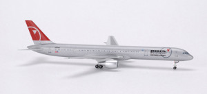 561082 Самолет B757-300 Northwest 1:400 *